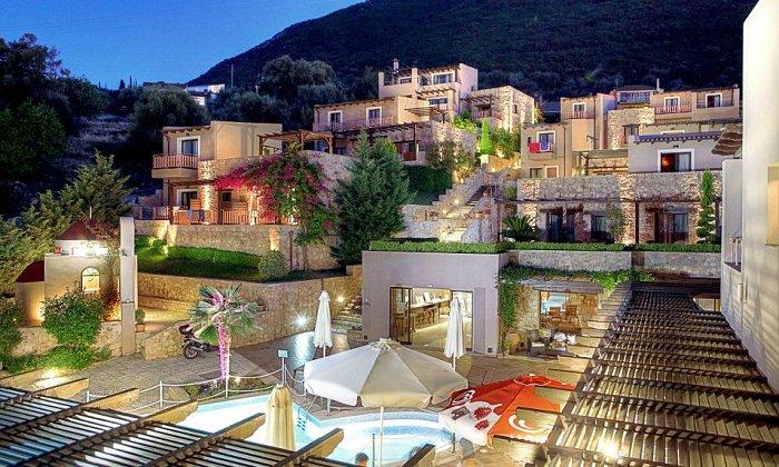 Προσφορά 28η Οκτωβρίου από 170€ για 2 διανυκτερεύσεις με Ημιδιατροφή για 2 ενήλικες (και 1 παιδί έως 5 ετών) Ισχύει για 28η Οκτωβρίου στο Tesoro Hotel