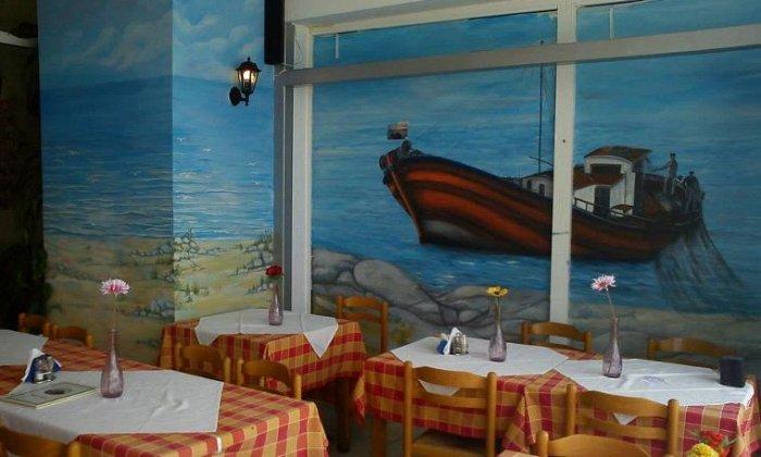 """8€ για ένα υπέροχο γεύμα για 2 άτομα με ελεύθερη επιλογή από τον πλούσιο κατάλογο από το εστιατόριο """"Τράτα"""" στη Περαία!"""