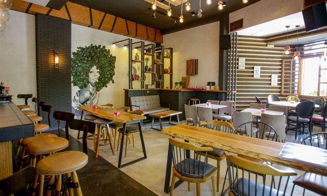 2€ για έναν καφέ της επιλογής σας ή 2,5€ για ένα ποτήρι κρασί και τα αντίστοιχα συνοδευτικά, από το Garden Bar 53 στη Τούμπα!