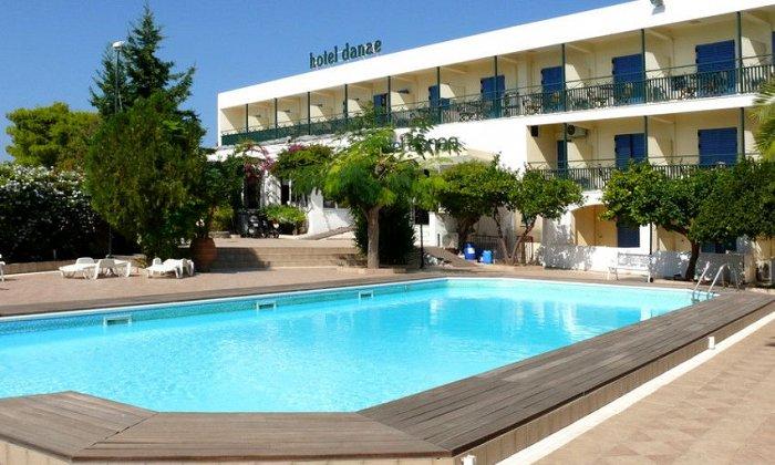 Προσφορά από 65€ ανά διανυκτέρευση με πρωινό ή Ημιδιατροφή για 2 ενήλικες και 1 παιδί έως 12 ετών Ισχύει έως 30/09 στο Hotel Danae