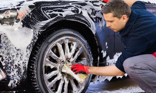 5,90€ για ένα εσωτερικό και εξωτερικό πλύσιμο αυτοκινήτου στο χέρι, από το Εκο Μαρτίου στο Κέντρο