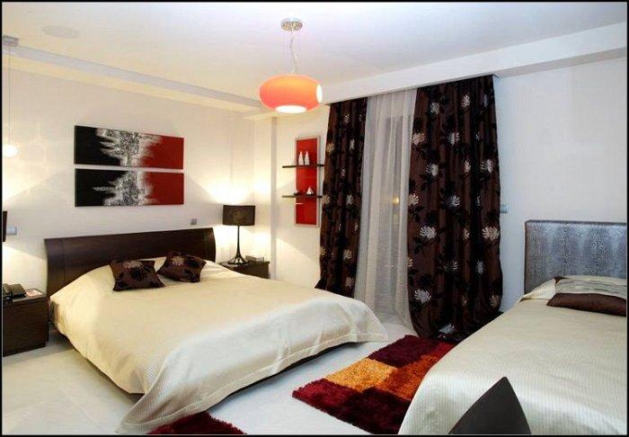 Προσφορά από 48€ ανά διανυκτέρευση με πρωινό για 2 ενήλικες και 1 παιδί έως 6 ετών Ισχύει έως 31/10 εκτός 28η Οκτωβρίου στο Ξενοδοχείο στην Νάουσα